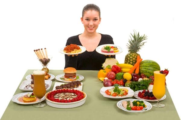Chăm sóc sức khỏe bằng chế độ dinh dưỡng.